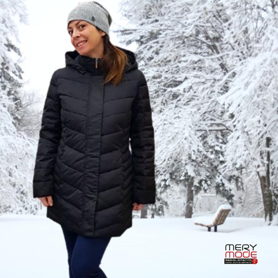 Immagine di Piumino invernale donna con cappuccio conformato
